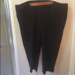 Black Capri Pants by Rafaella
